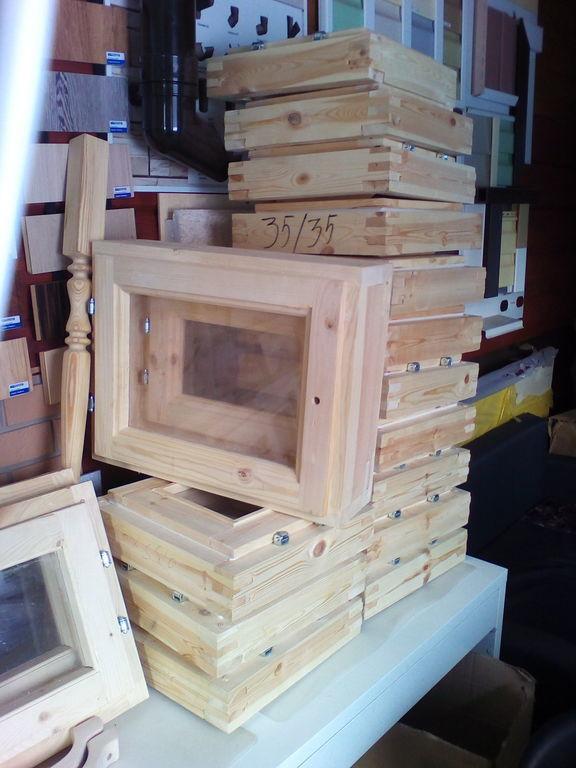 Окно деревянное зимнее, размер:,0,4*0,5