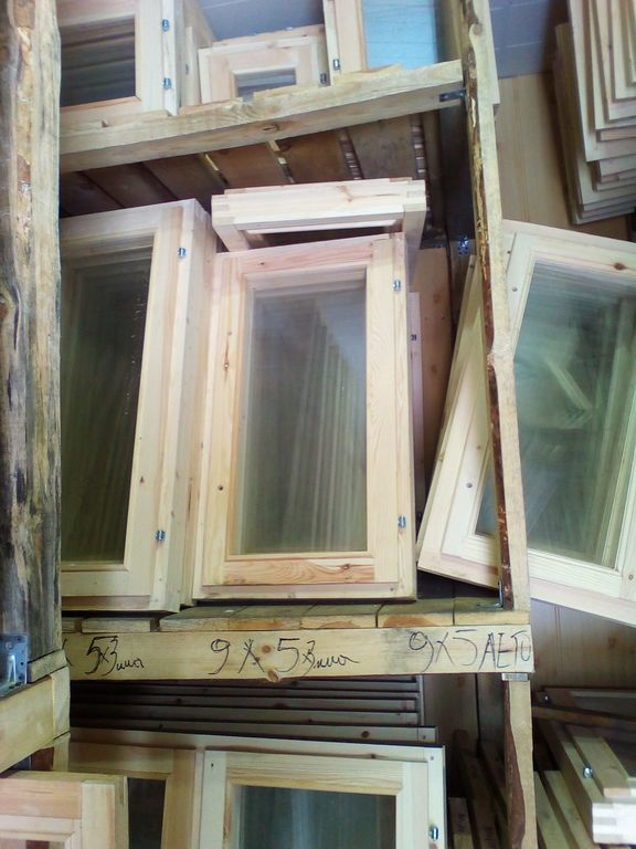 Окно деревянное зимнее, размер: 50*90 см