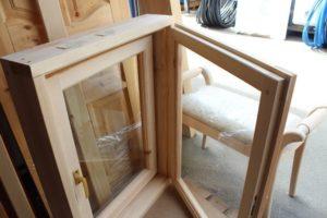 Окно деревянное зимнее, размер: 1*0,8 м