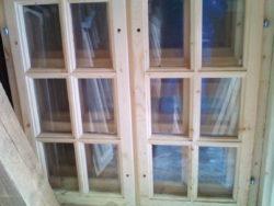 Оконный блок деревянный с переплетом 100*100 см