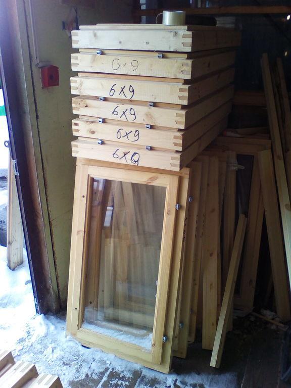 Окно деревянное зимнее, размер: 0,9*0,6 м