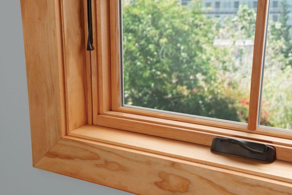Окно деревянное с одинарным остеклением летнее, см 35х35