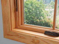 Окно деревянное зимнее, см 100х80